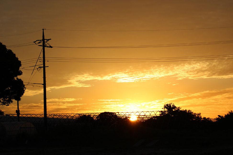 刻々と移り変わる夕日