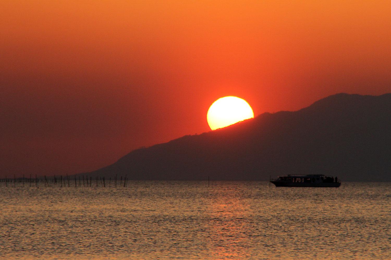 沈んでいく夕陽