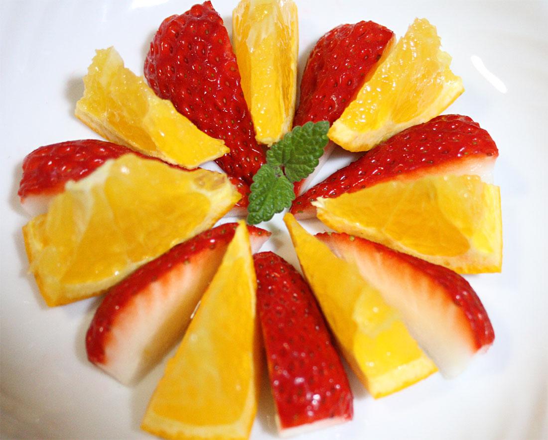 いちごとオレンジのデザート