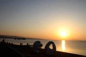 嫁が島と宍道湖に沈む夕陽